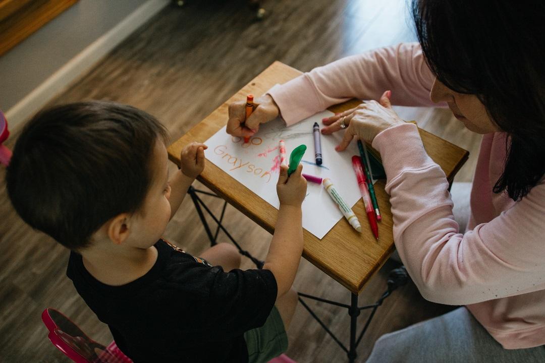 Tips untuk Orang Tua dalam Menemani Anak TK selama Belajar di Rumah - Sekolah Prestasi Global